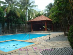 Large swimming pool and a kiddie pool for the little ones.