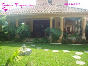 VILLA FOR RENT IN SAIGON - GREEN SPACE FOR peaceful life - Garden from the porch