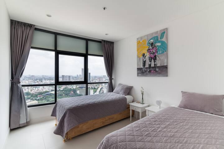 Children-bedroom-at-City-Garden-apartment